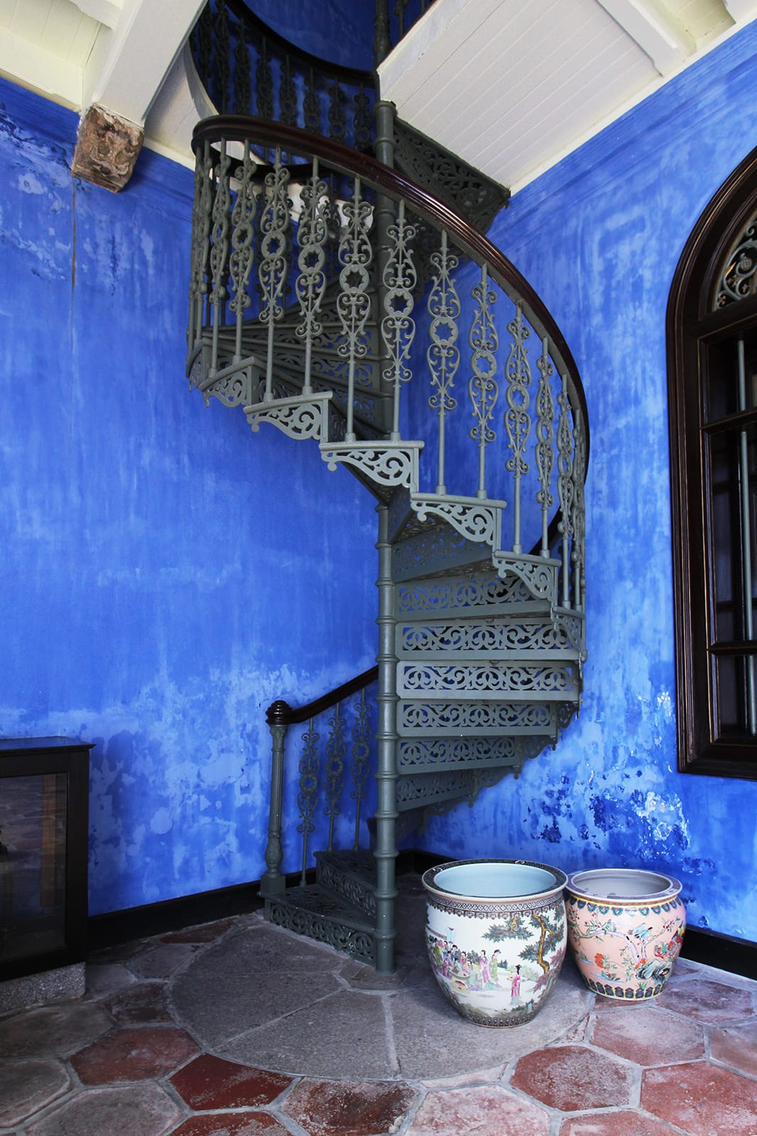 boutique-hotel-penang-island-blue-mansion-architecture-02-1-min Home